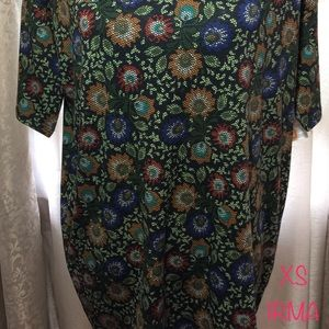 LuLaRoe XS Irma Tee Shirt.